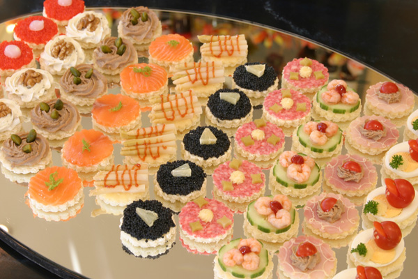 Patisserie delices bienvenue for Canape for sale